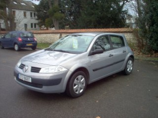 RENAULT MEGANE II 1.4 16V CONFORT AUTHENTIQUE
